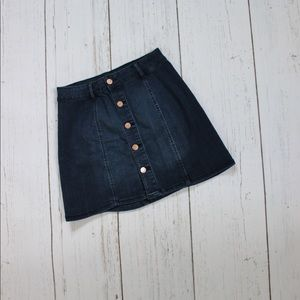 Button fly skirt